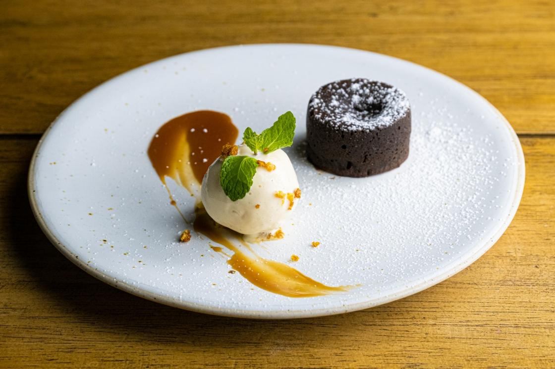 lava-cake-molten-chocolate-cake-chocolate-fondant-1-chef-chris-colburn